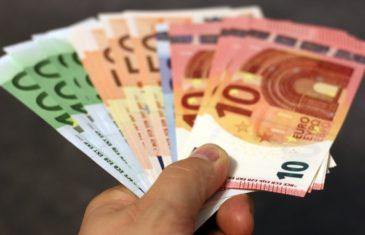 Ενημέρωση για τους επαγγελματίες από τους Φορολογικούς Συμβούλους του ΕΕΑ